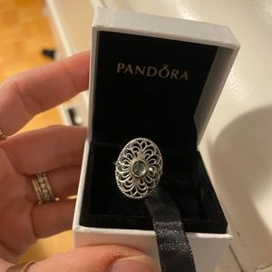 Pandora vintage allure ring